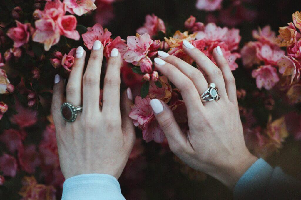 How to keep a manicure for a long time?